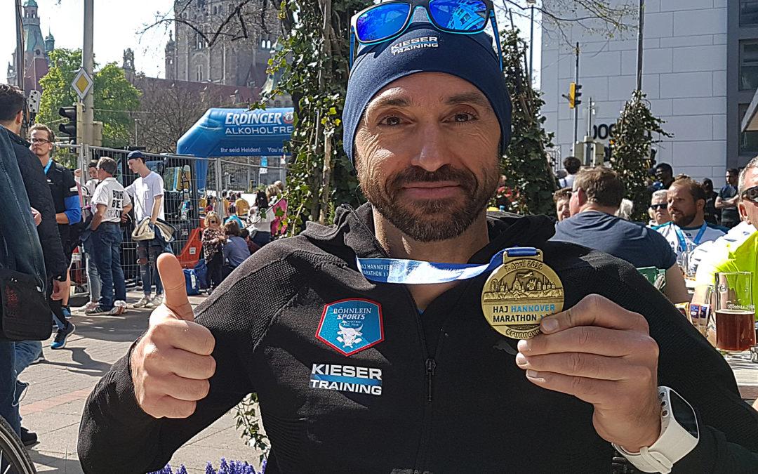 """""""Sub 3"""" Marathon Brandzeichen für Harald Eisner beim 29. HAJ Hannover Marathon."""